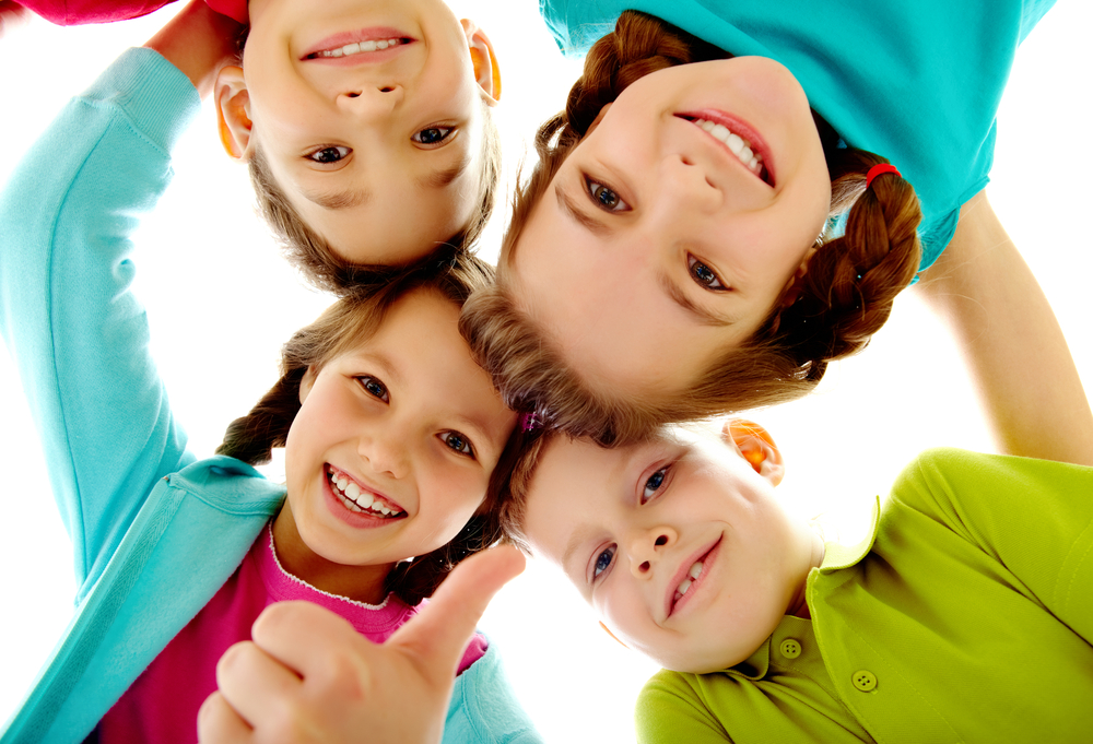children_with_healthy_smile